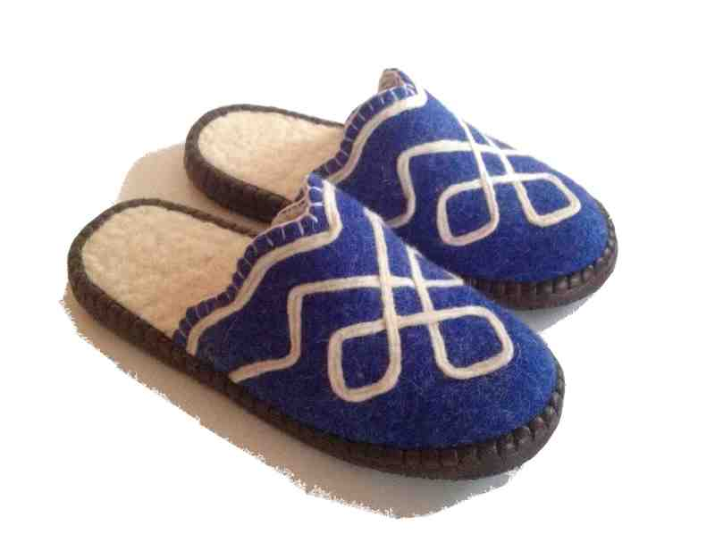 Felt Slippers (blue, open back)