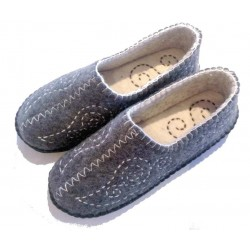 Felt Slippers (stitch grey, larger sizes)