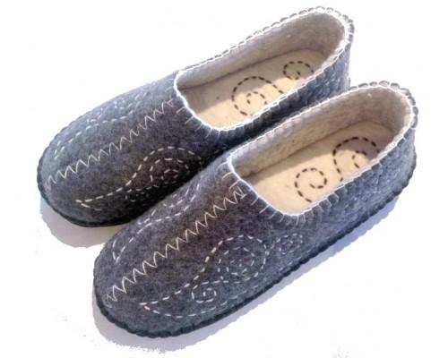Felt Slippers (stitch grey, smaller sizes)
